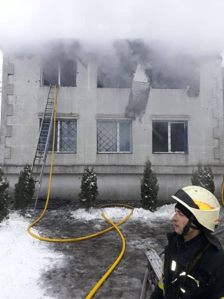 Пожарные на месте трагедии