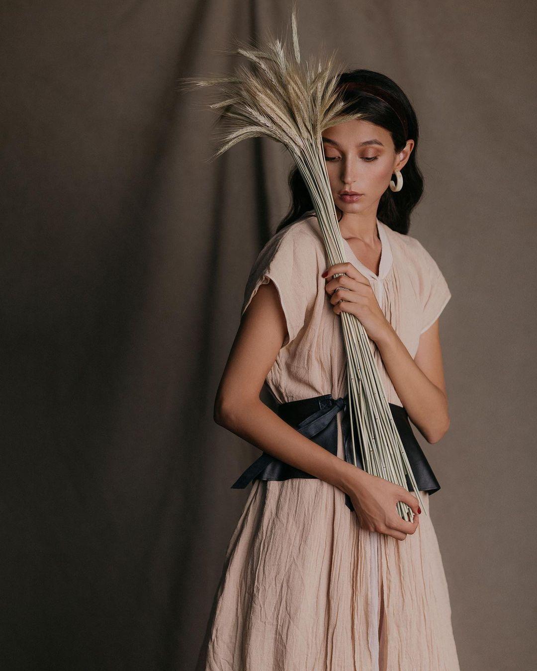 Эвелина Мамбетова прославилась в мире как лицо именитых мировых брендов