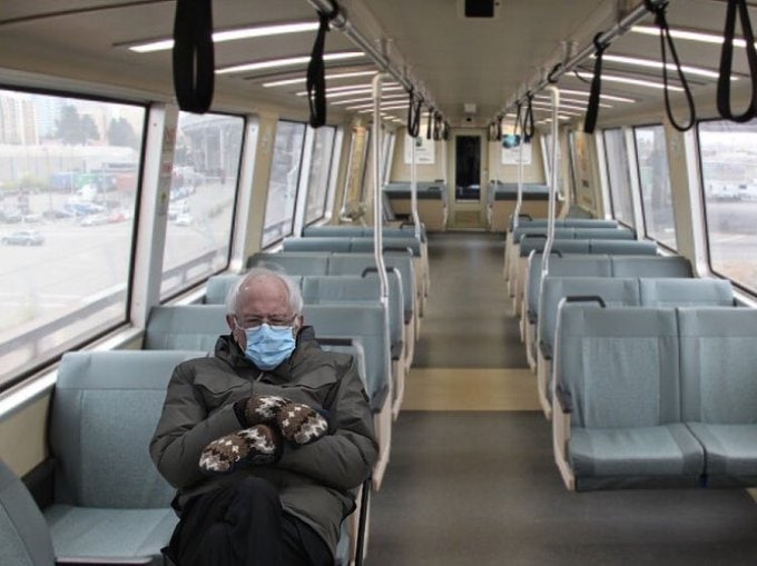 Сандерс в общественном транспорте