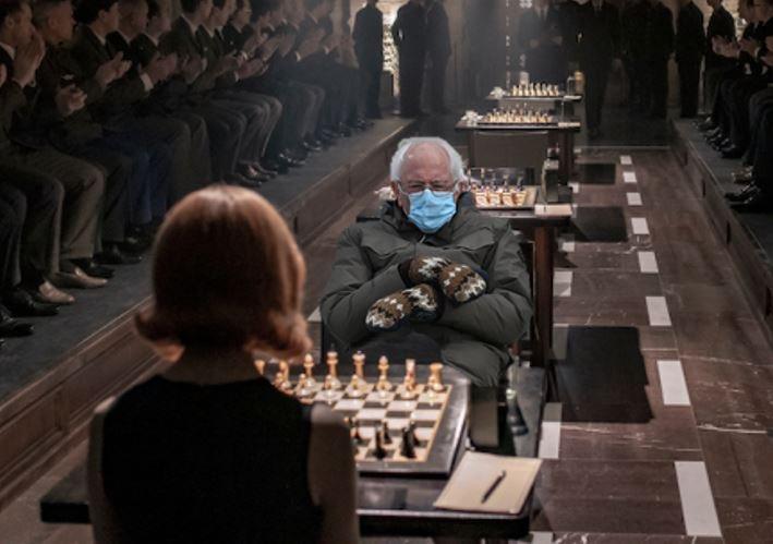 """Сандерс і героїня серіалу """"Шахова королева"""""""