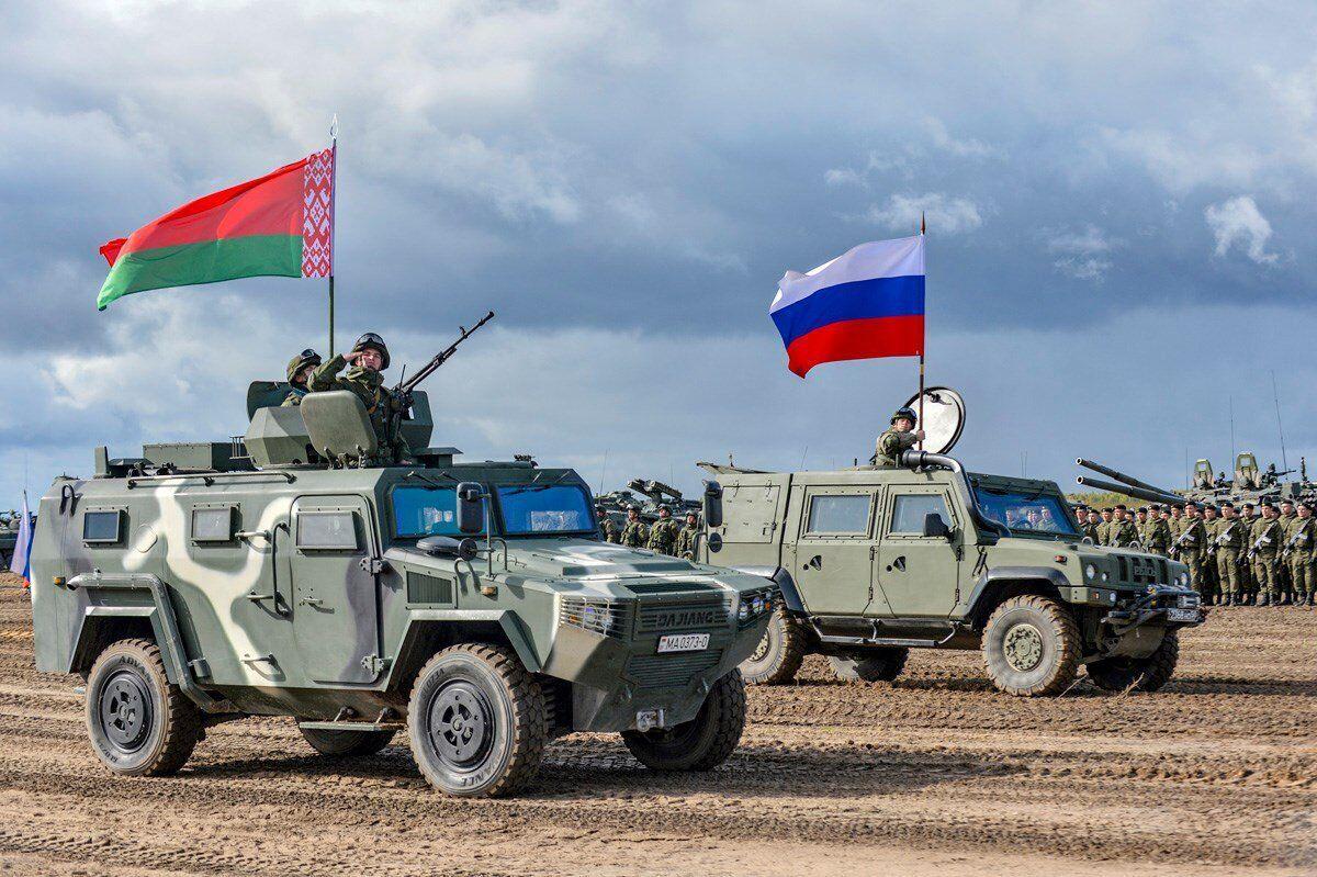 Военнослужащие России и Беларуси во время совместных учений.