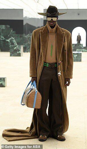 Бренд Louis Vuitton представил новую коллекцию мужской одежды