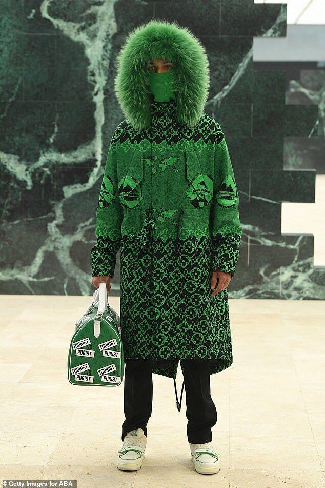 Louis Vuitton перенес моделей в мир путешествий