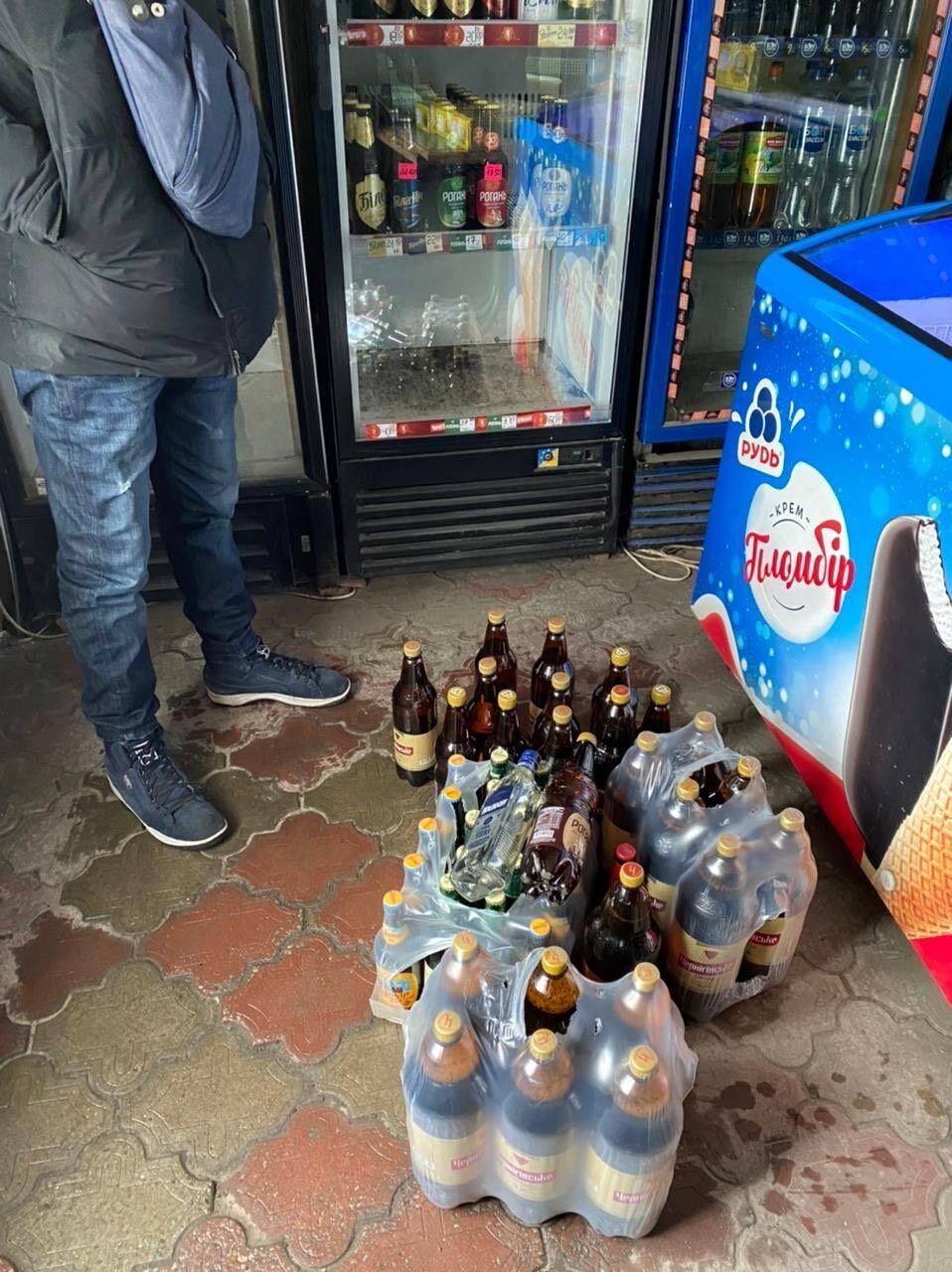 В магазинах продавали алкоголь без лицензии