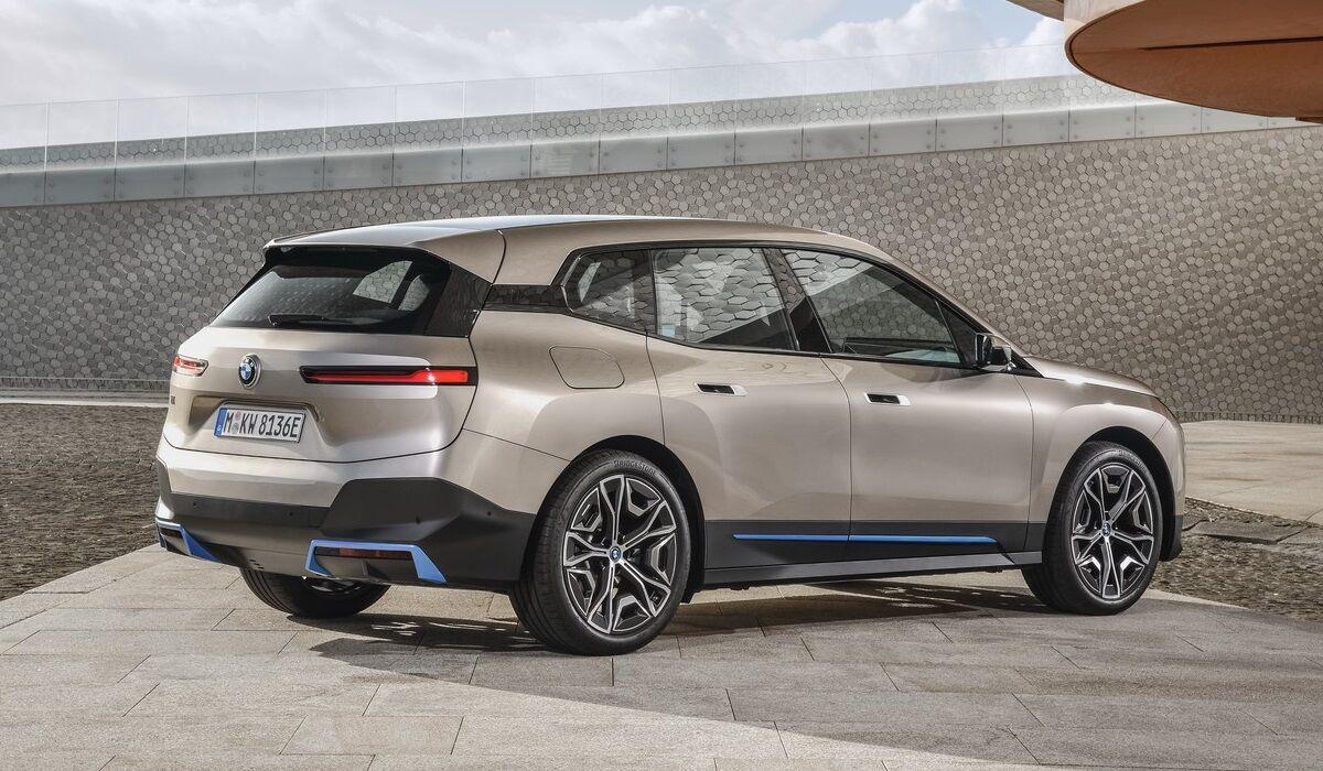 iX майже не схожий на інші моделі BMW