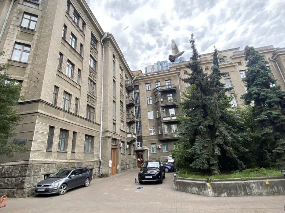 Будинок, у якому живе Оля Полякова