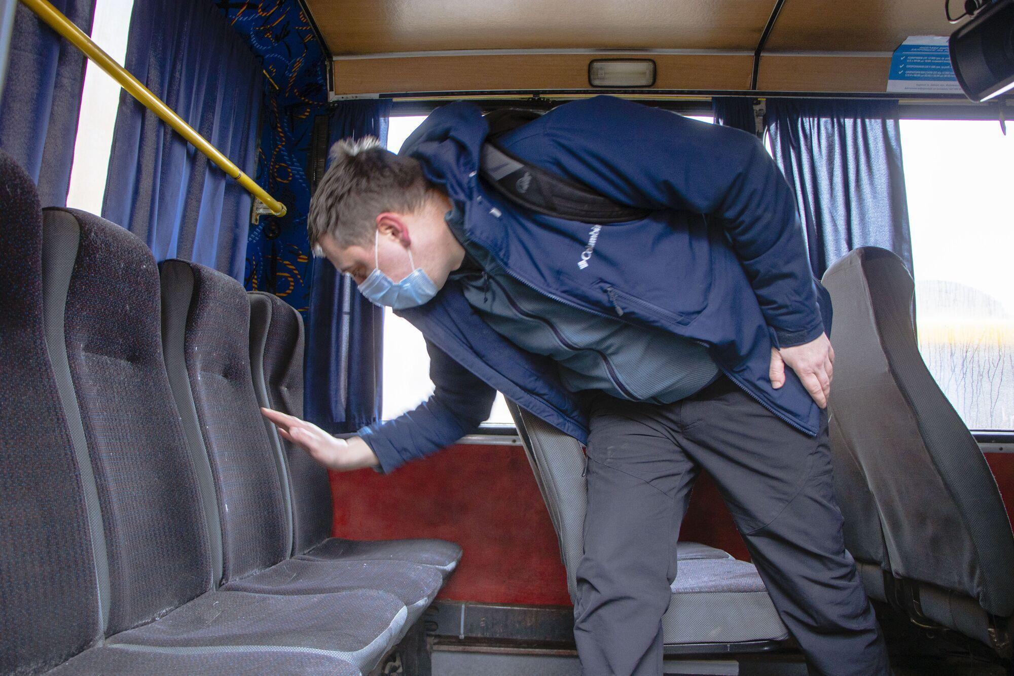 Транспортные средства осматривают на техническую исправность и соблюдение санитарных норм