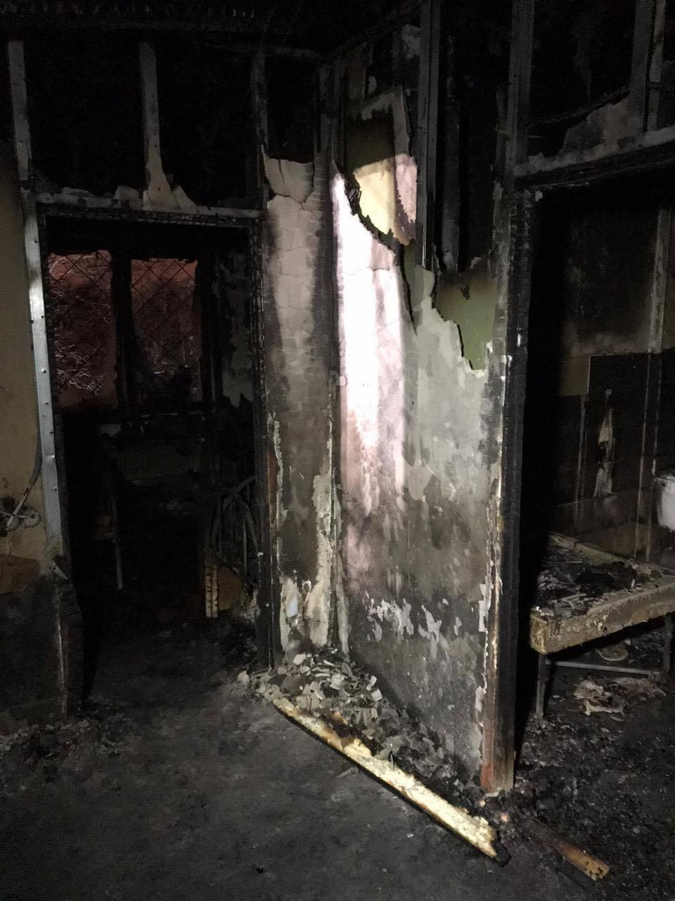 Наслідки пожежі в нелегальному будинку для літніх людей.