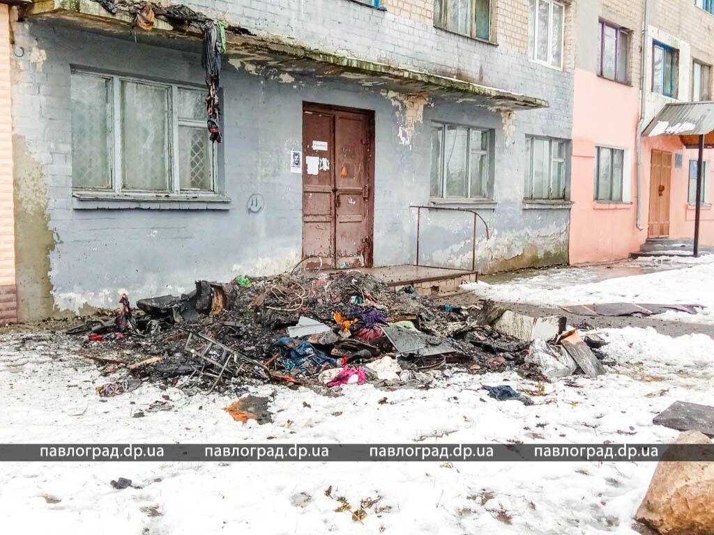 На Днепропетровщине вспыхнуло общежитие. Фото и видео с места ЧП
