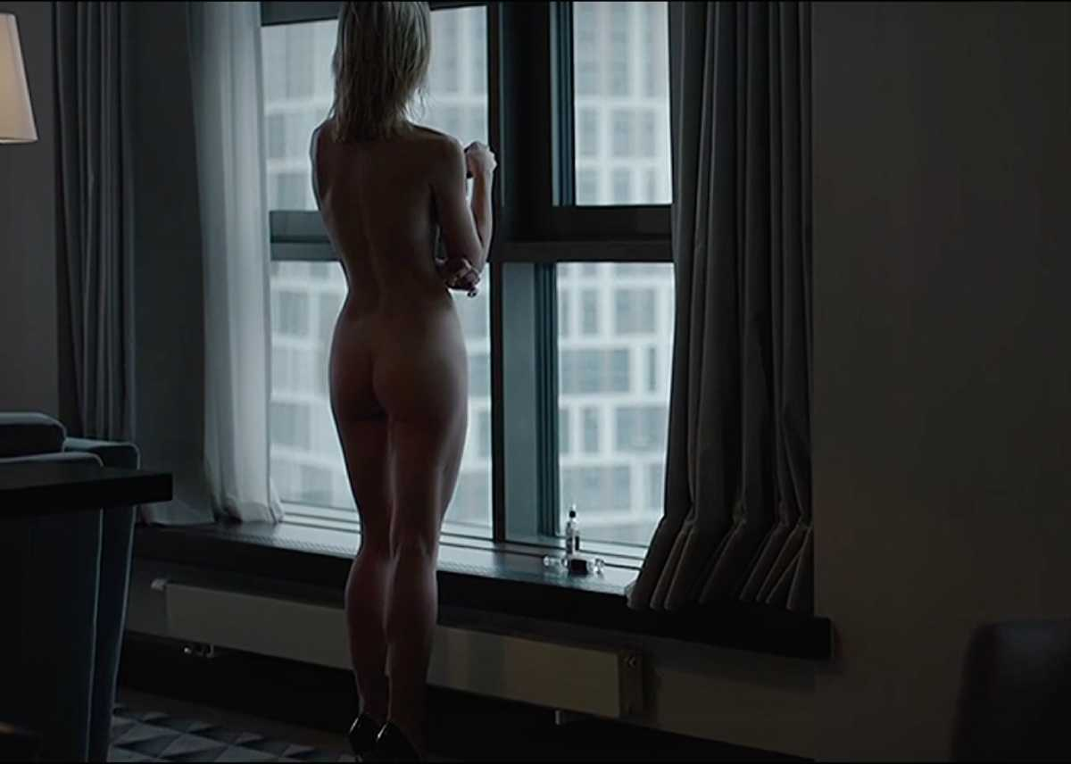 Полина Гагарина голая в сериале.