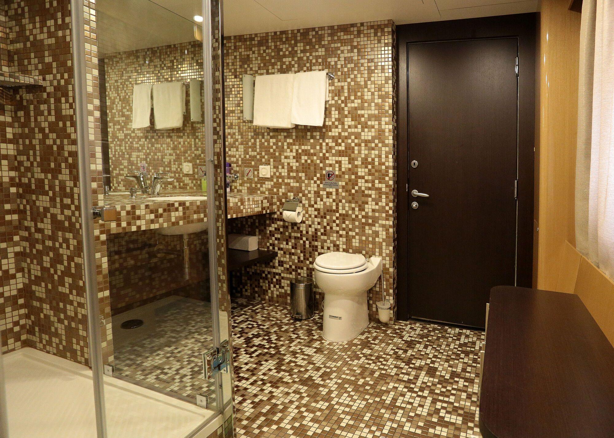 Ванна кімната у нових вагонах УЗ