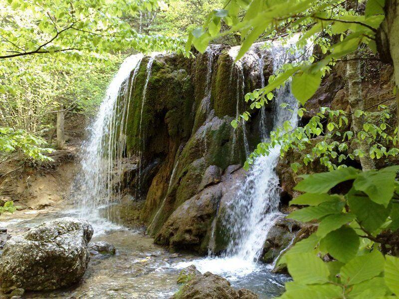 Водопад Серебряные струи летом