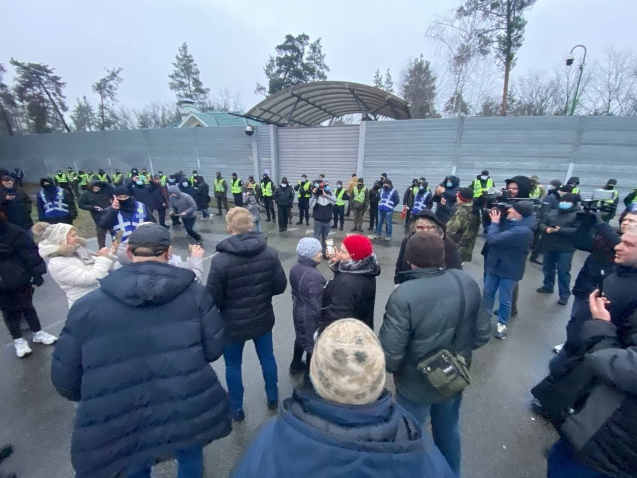 """У Конча-Заспі відбулася акція протесту """"тарифного майдану"""""""