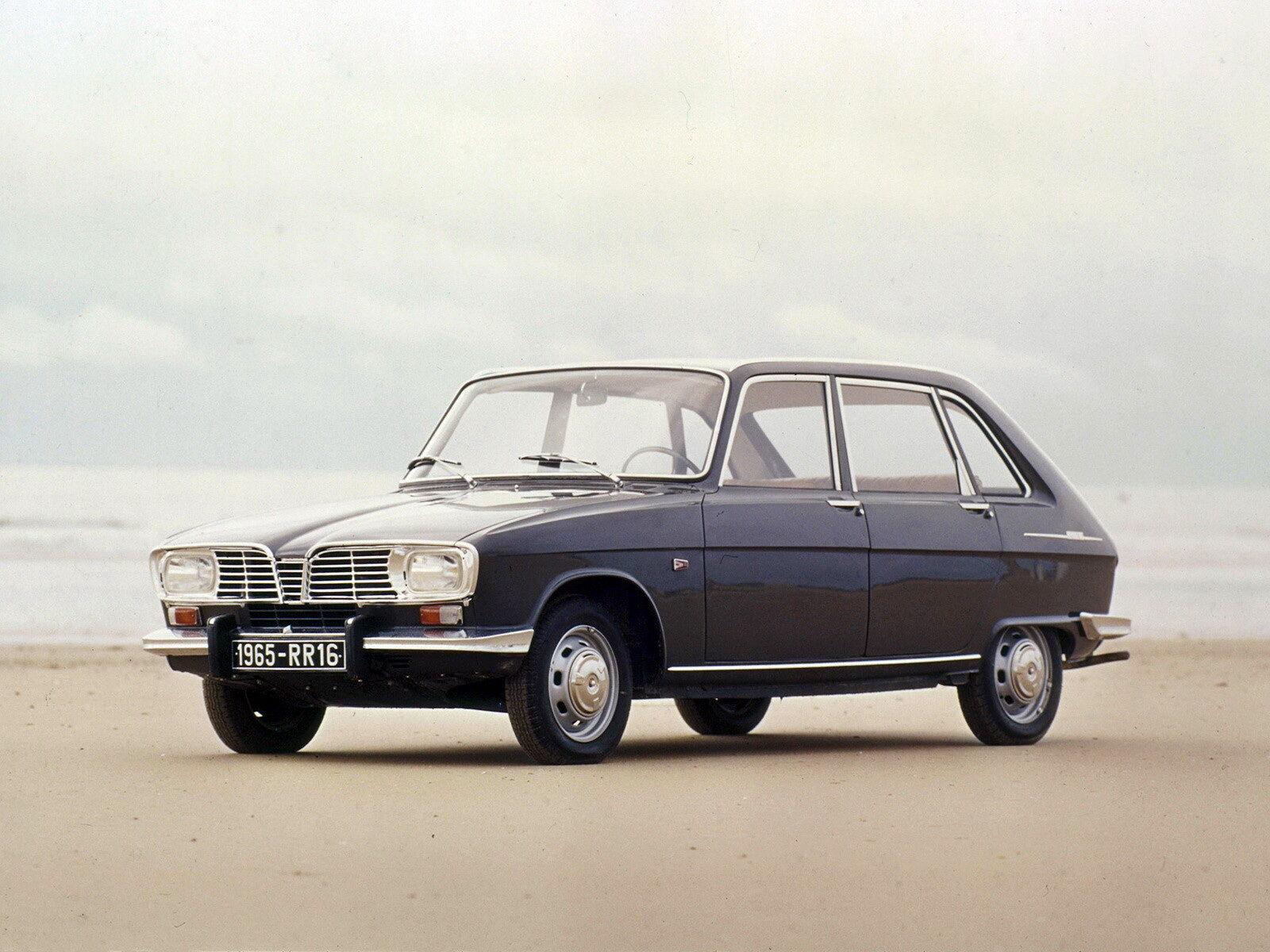 """Первой """"иномаркой"""" Высоцкого стал серый Renault 16, подаренный Мариной Влади."""