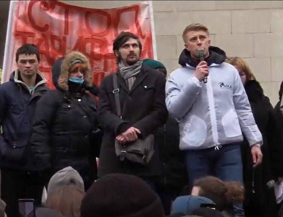 В акции участвуют жители разных городов Украины.