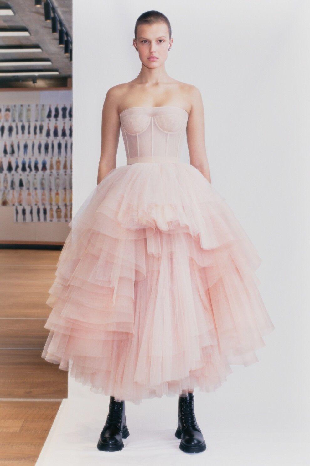 Трендовые пышные платья в 2021 году