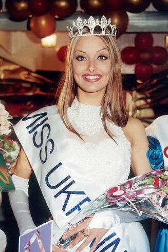 """""""Міс Україна"""" 1997 року: Ксенія Кузьменко."""