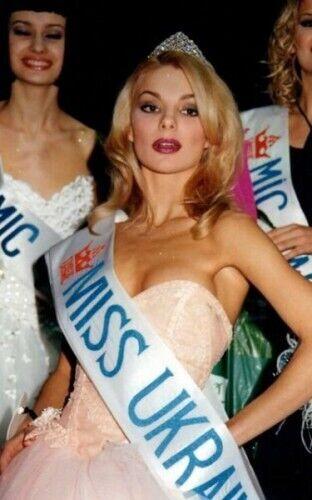 """""""Міс Україна"""" 1999 року: Ольга Савінська."""