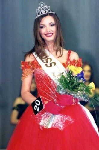 """Міс Україна"" 2001 року: Олександра Ніколаєнко."