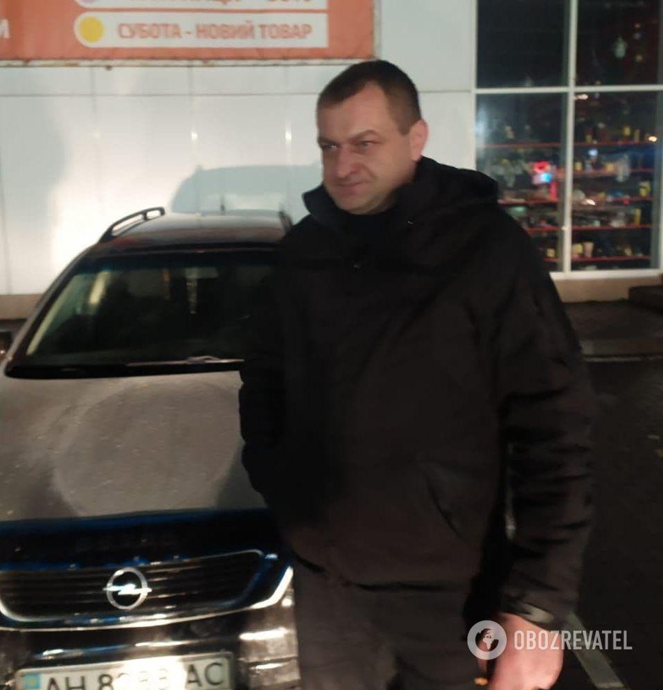 """Владелец автомобиля с символикой спецподразделения ФСБ недоволен, что его машину """"испортили"""""""