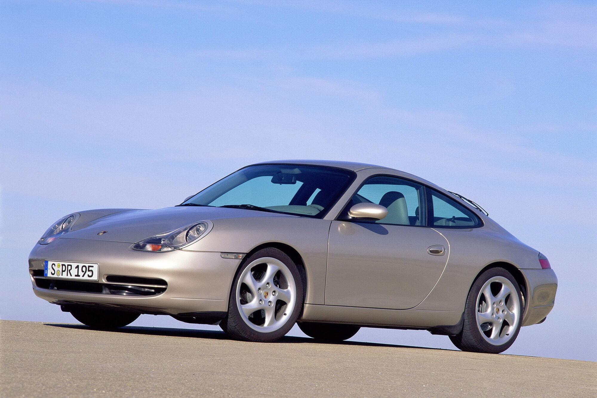 Модель семейства 996 выпускалась с 1997 по 2005 год