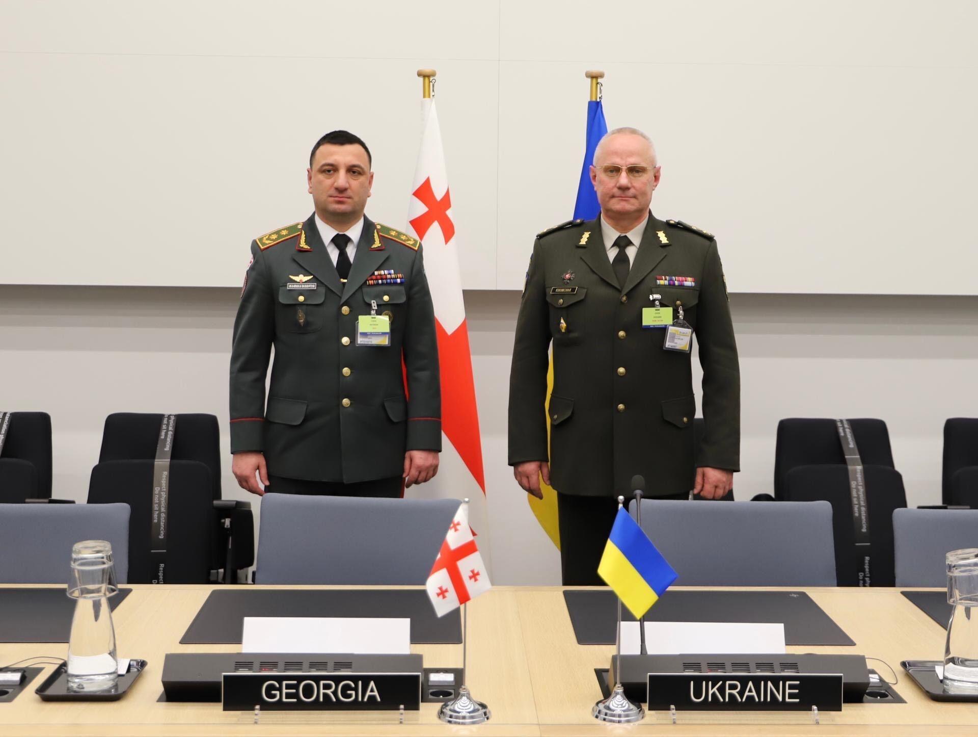 Руслан Хомчак (праворуч)