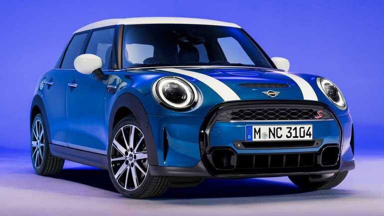 Mini Cooper в оттенке Island Blue