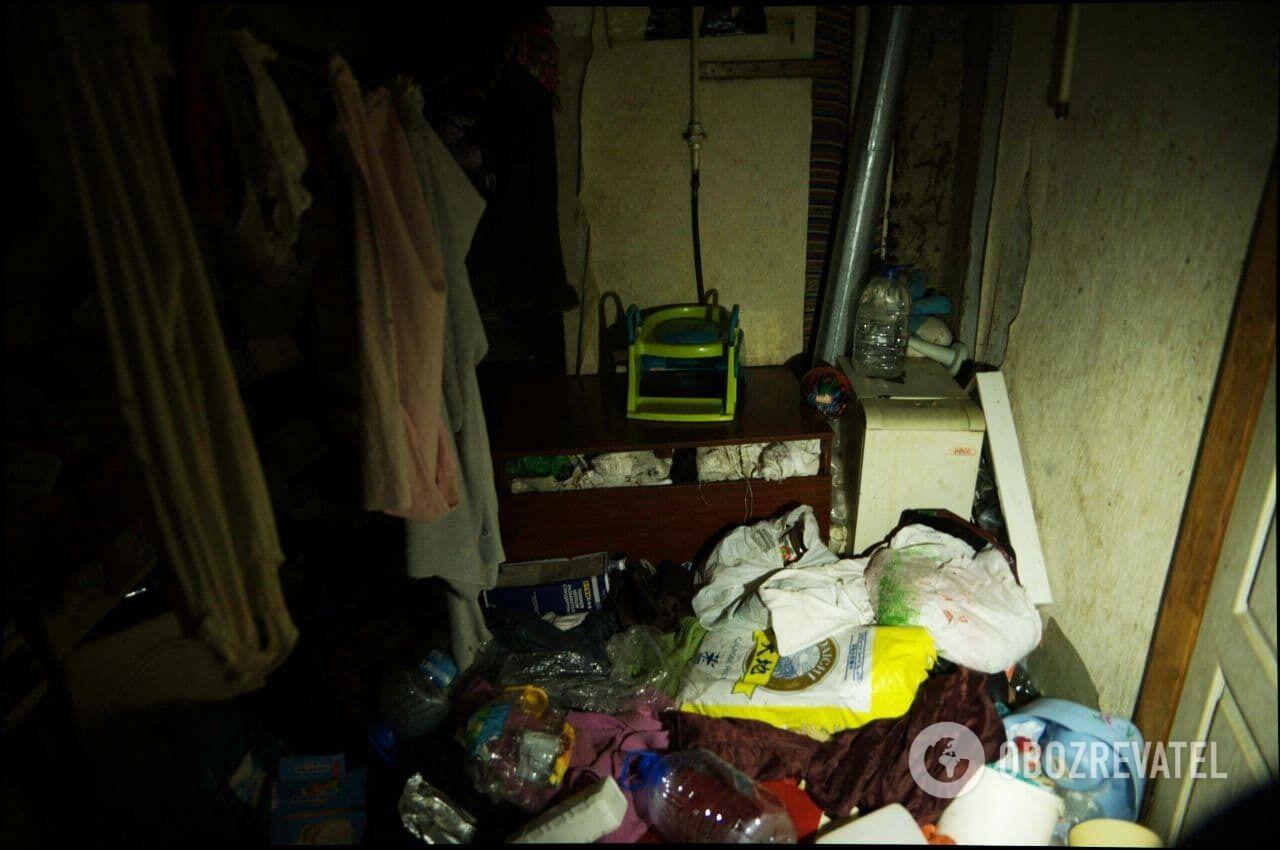 Из-за антисанитарии в квартире в Харькове завелись тараканы.