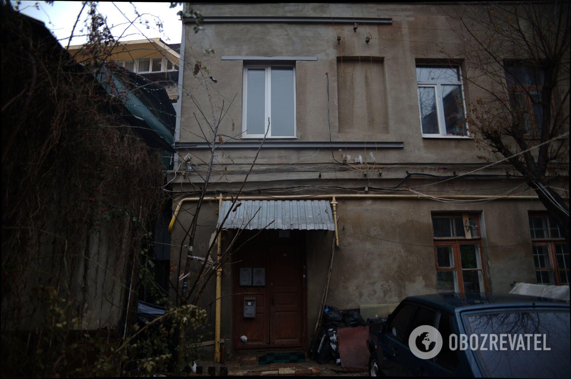 Дом в Харькове, где находится захламленная квартира.