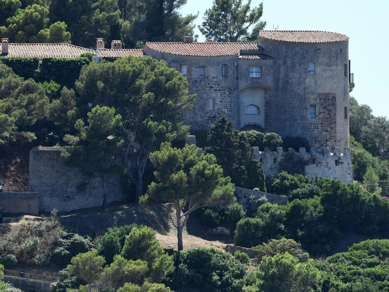 З 1968 року Форт де Брегансон офіційно став літньою резиденцією французьких президентів.