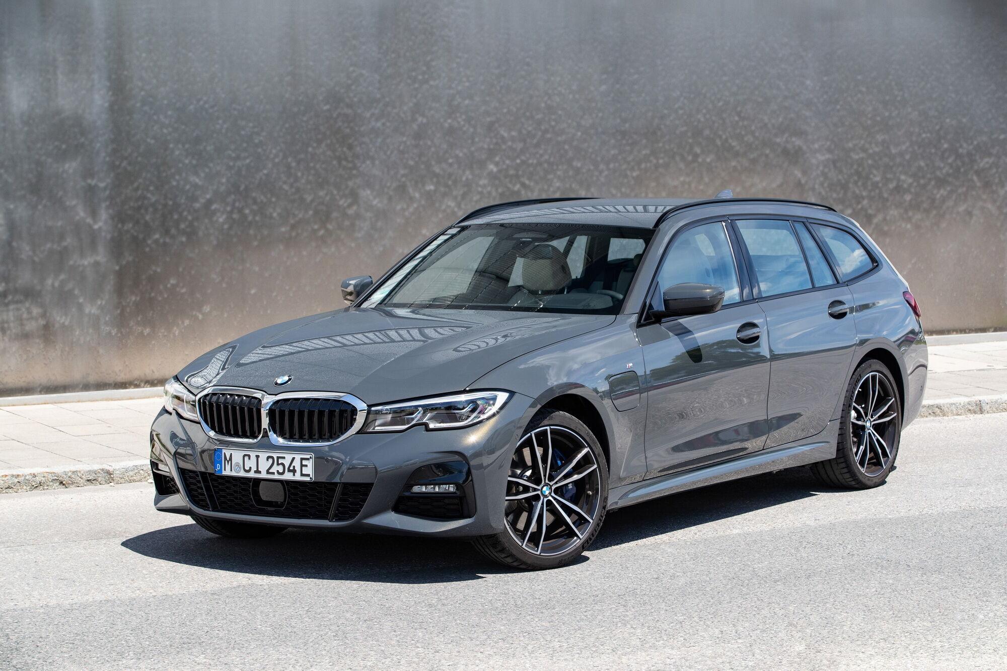 BMW 320e Touring в середньому витрачає 1,4-1,9 л на 100 км по циклу WLTP