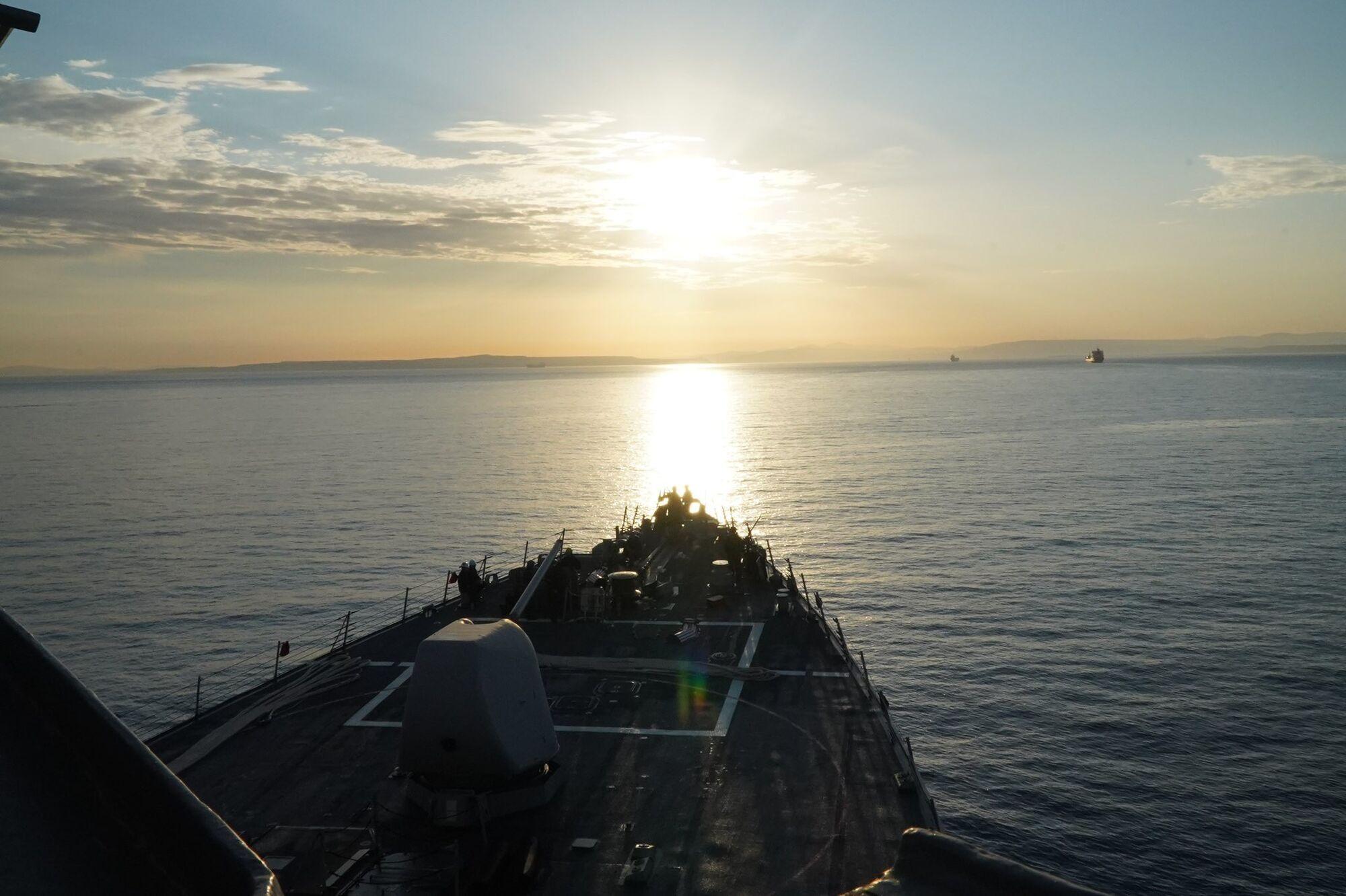 USS Porter під час переходу в Чорне море