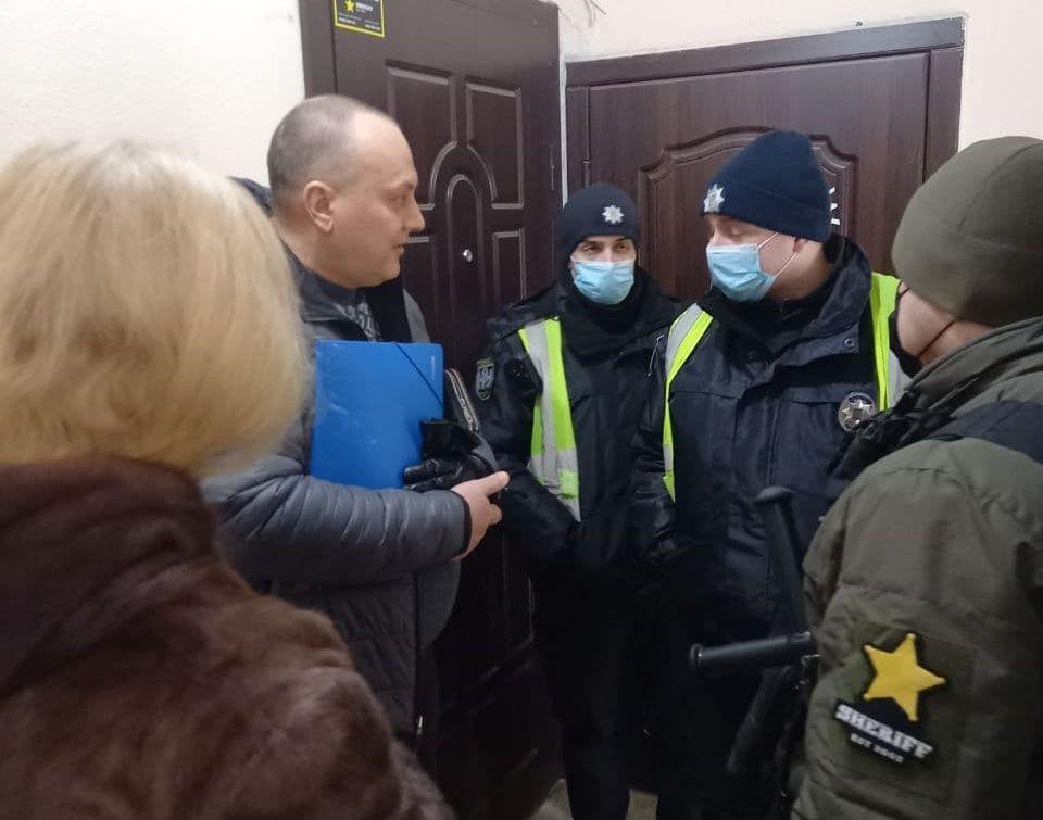 Власниця квартири на Печерську поселила нових орендарів, які виявилися шахраями.