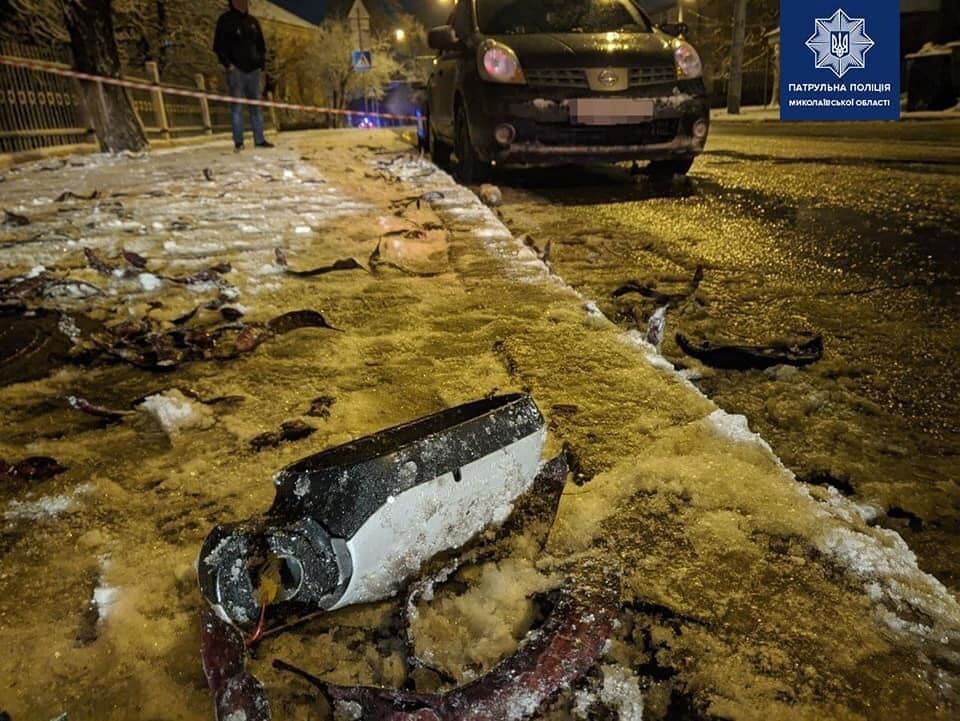 Водій пошкодив машину, яку зупинила поліція.