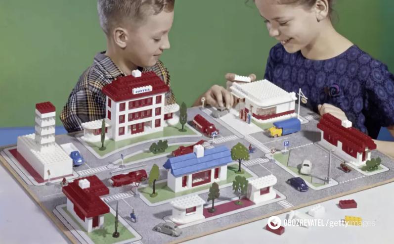 Перші набори Lego