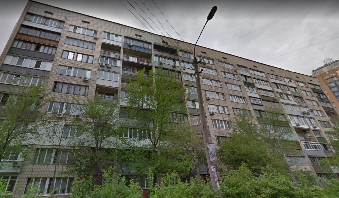 Каменських володіє квартирою на вулиці Василя Тютюнника