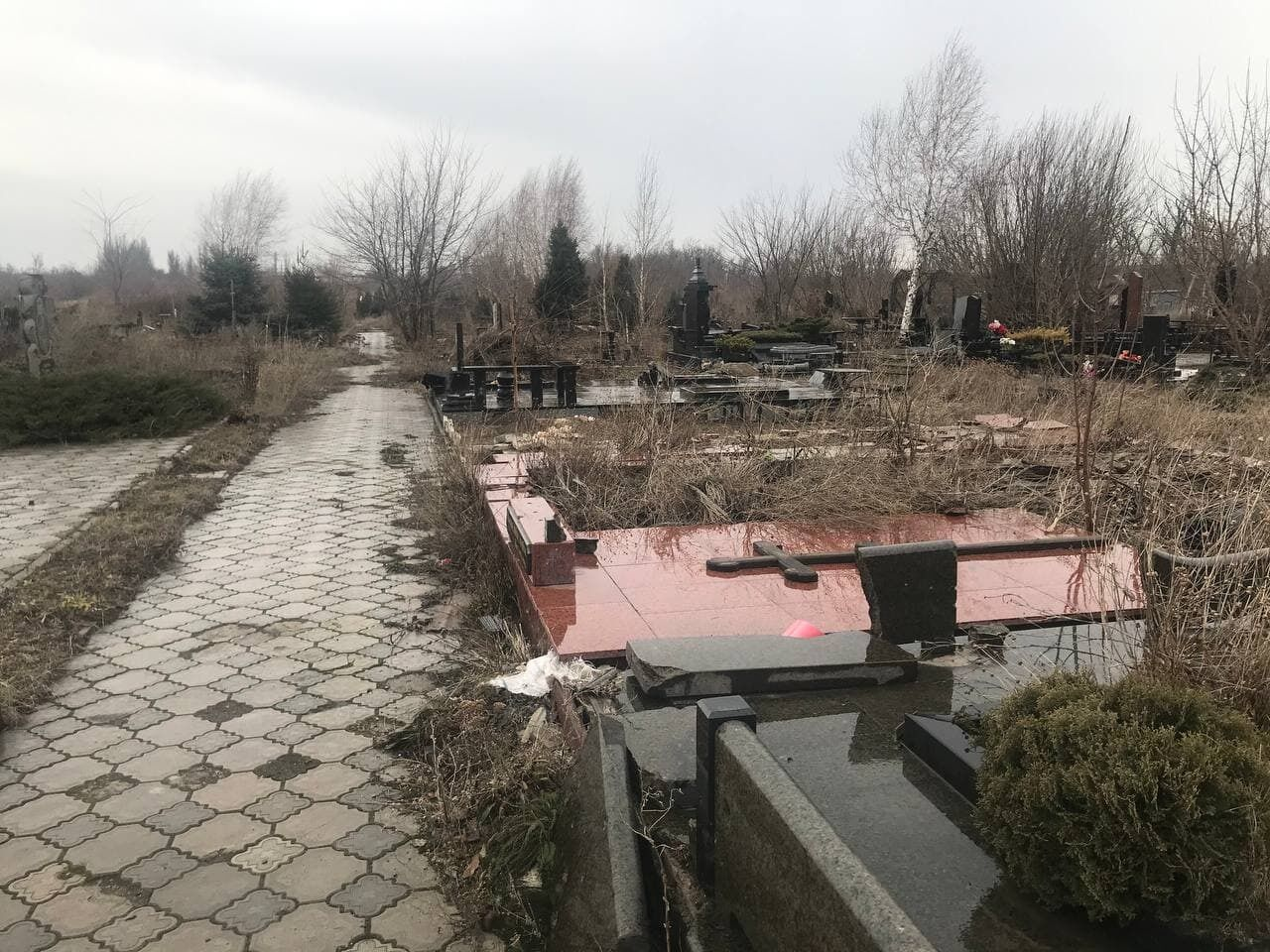 """Разгромленные """"ДНР"""" памятники"""