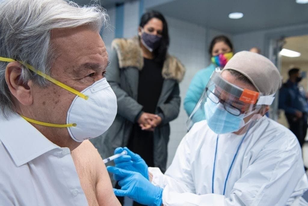 Вакцинація Антоніу Гутерріша