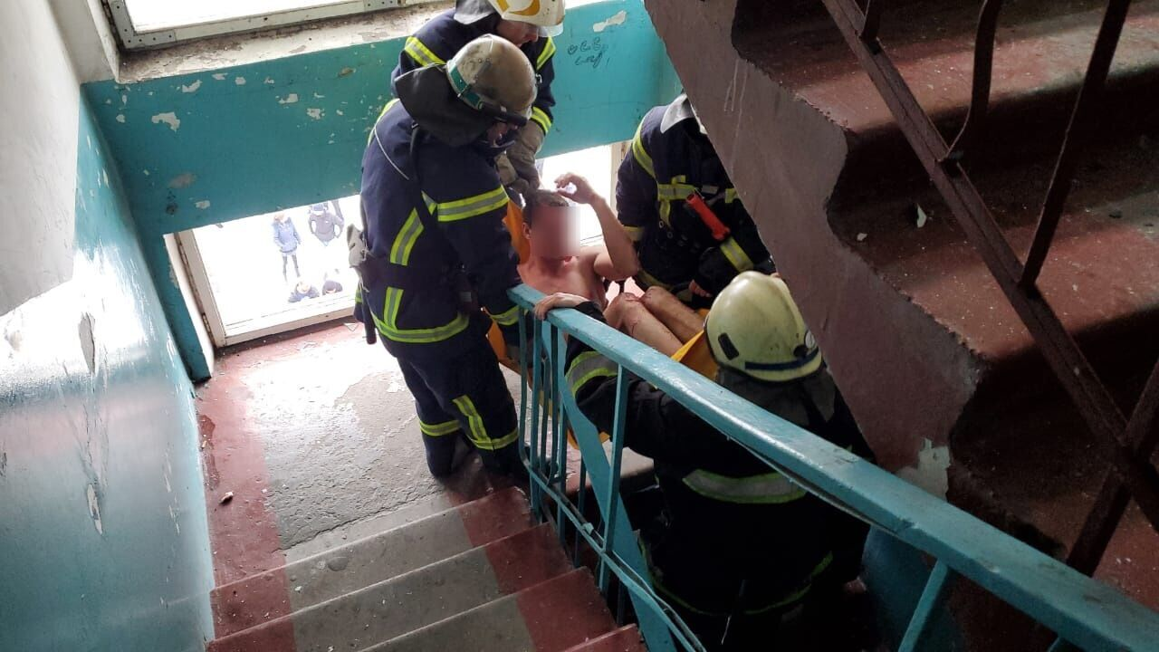 Під Дніпром стався вибух у будинку, постраждав підліток. Фото й відео