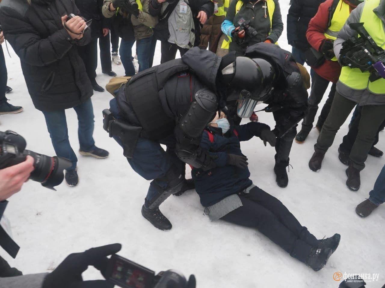 В ходе массовых протестов в России были задержаны свыше 4 тысяч человек