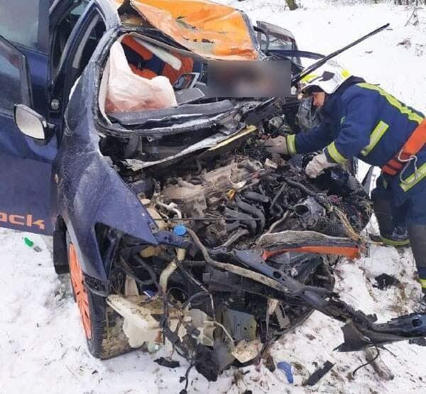 До надання допомоги внаслідок ДТП було залучено п'ятеро рятувальників