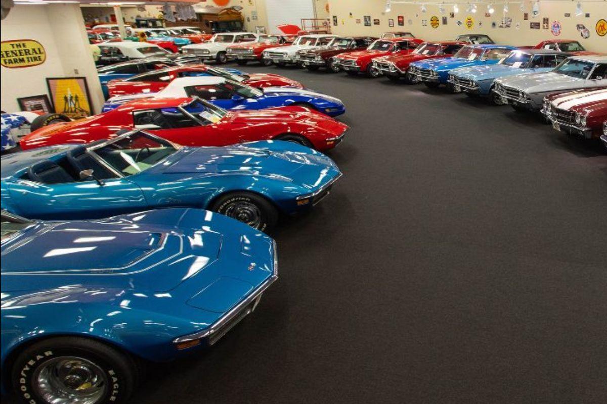 Зібрання Ріка Треворджі є однією з найбільших у США колекцій спортивних автомобілів 50-70-х років минулого століття
