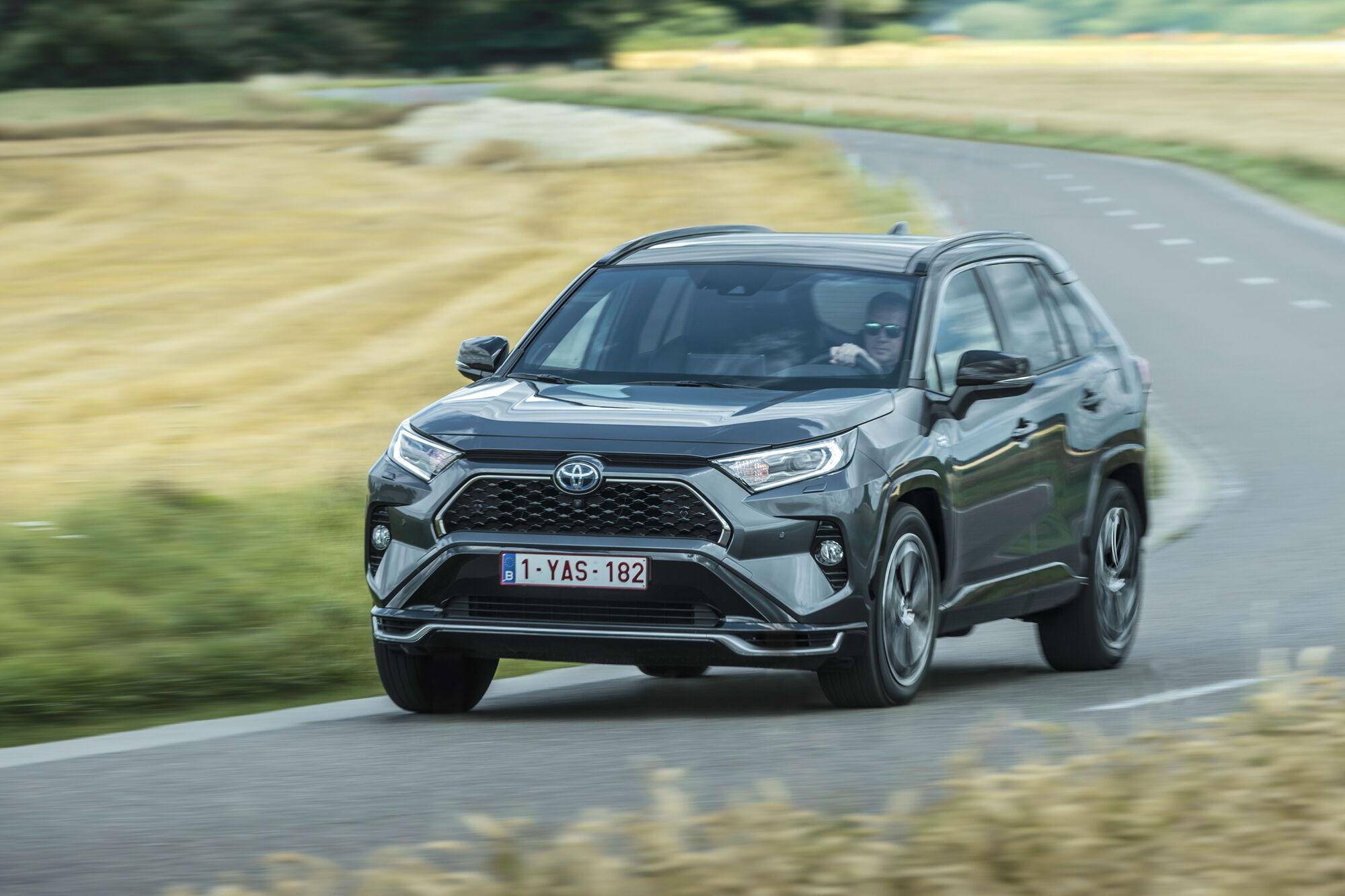 За підсумками 2020 року Toyota RAV4 став найбільш продаваним новим автомобілем в Україні