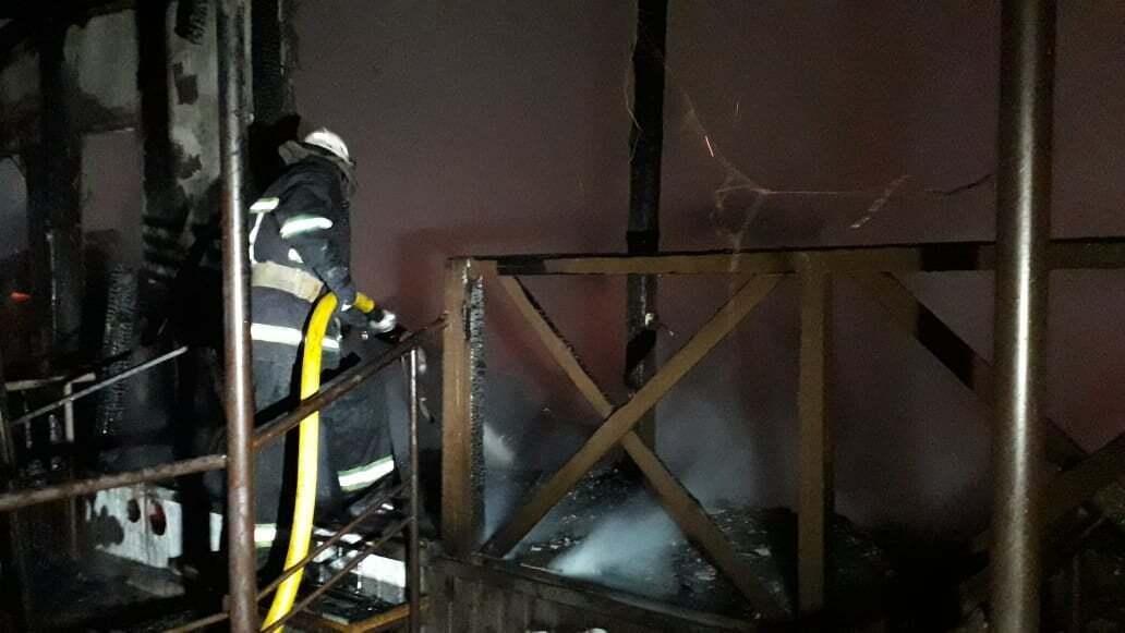 К ликвидации пожара привлекли 24 пожарных и 8 единиц техники