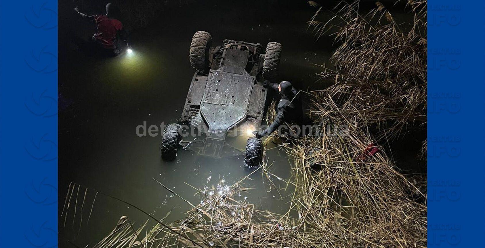 Авто с телами подростков нашли в реке.