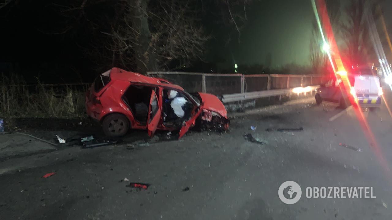 Водія та двох пасажирів Volkswagen госпіталізували.