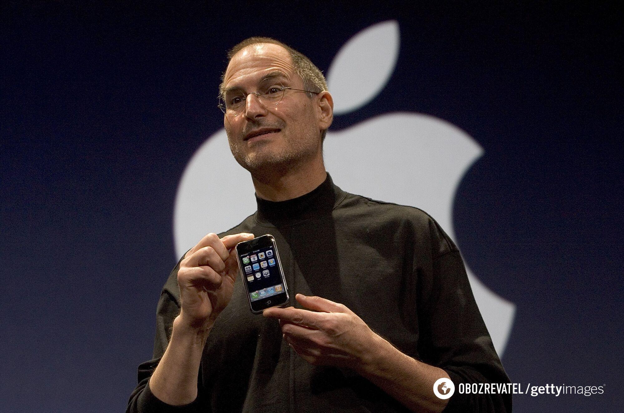 Стів Джобс на презентації iPhone