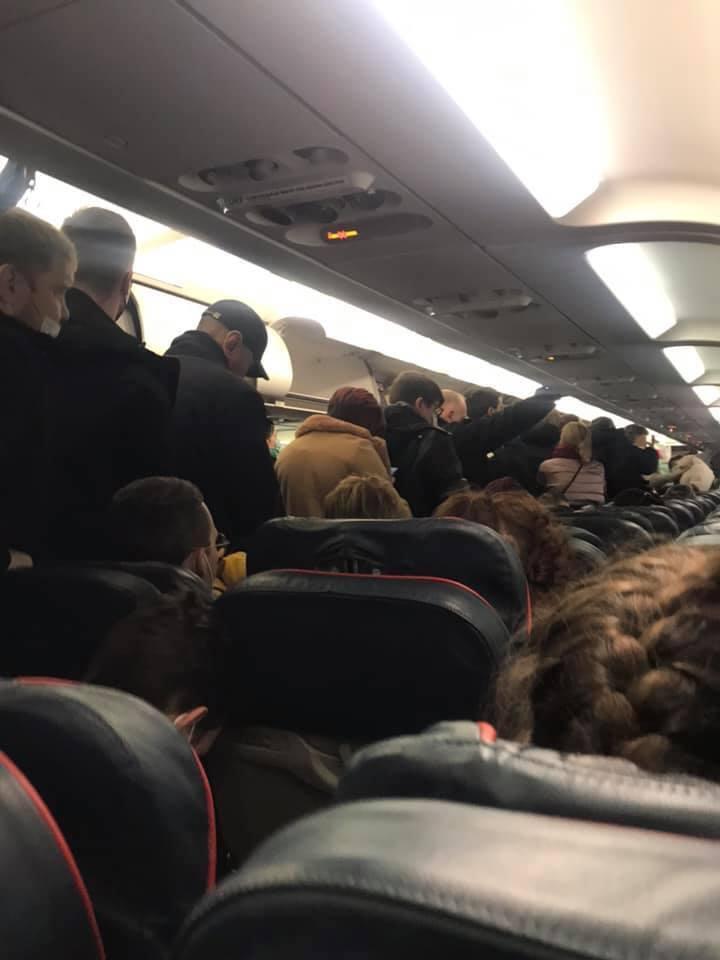 Люди летели из Крыма в Москву