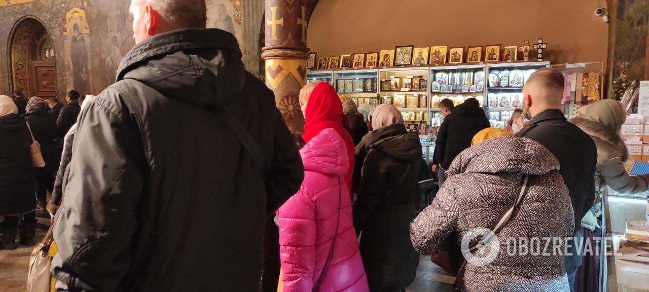 Рождественское богослужение в Трапезной церкви Киево-Печерской лавры.