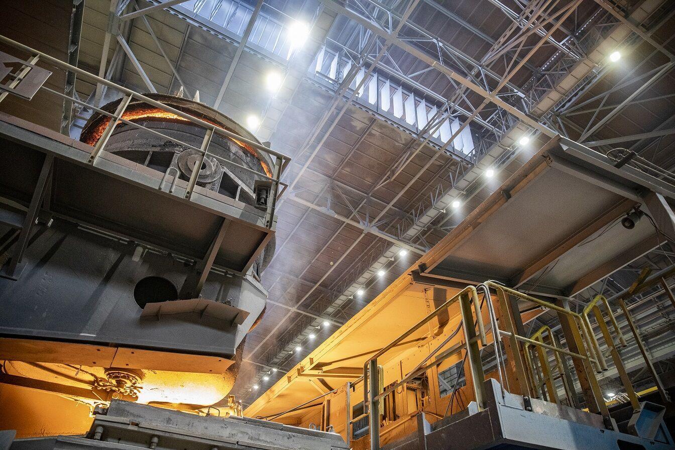 На ММК імені Ілліча завершився другий етап модернізації стельового освітлення конвертерного цеху